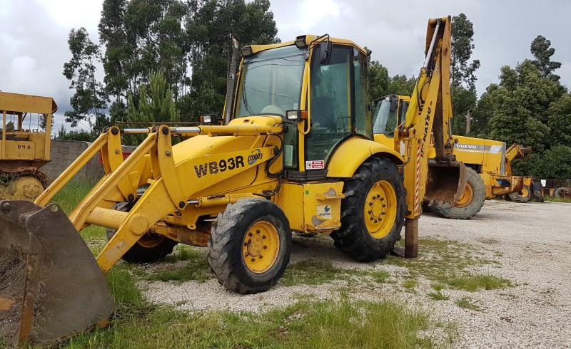 Backhoe Loader | Aveimaq - Used Machinery Import and Export
